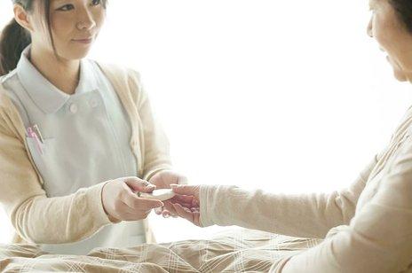 定期巡回・随時対応型訪問介護看護とは|日割り費用や人員基準など