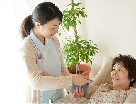 訪問看護とは|内容・料金・介護保険・医療保険の利用方法を解説