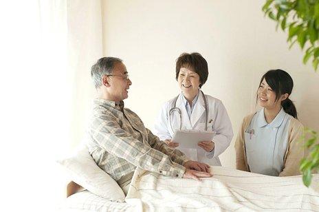 介護老人保健施設(老健)とは|費用・法的な特徴・特養との違いをわかりやすく解説