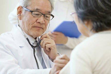 【専門家監修】胃ろうとは メリット・デメリット・費用・種類・手術・ケアを解説