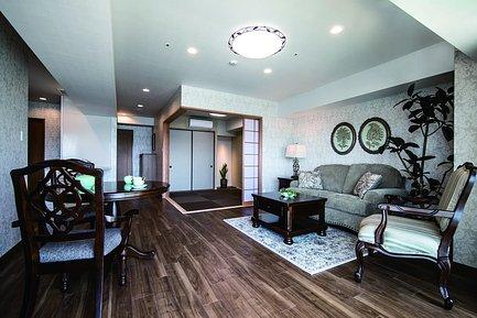 アンティークの家具を設えた空間