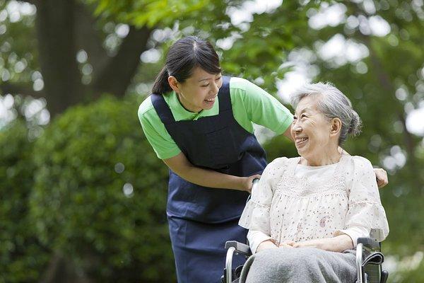 認知症相談可の老人ホーム5選! 安心のサポートでご自分らしい毎日を