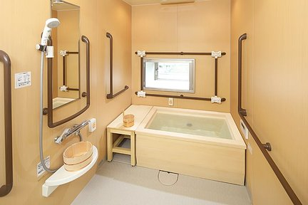 メディカルホームグランダ高宮 檜風呂
