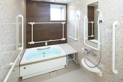 メディカルホームグランダ高宮 個人浴室
