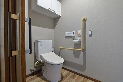 エイジフリーハウス堺浜寺 居室内トイレ