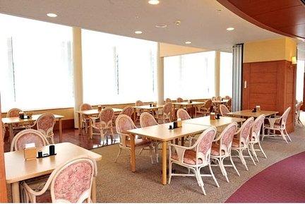 シニアホテル東戸塚イーストウイング 9階レストラン。