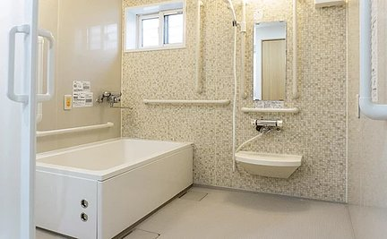 ヒューマンライフケア市川真間グループホーム 浴室